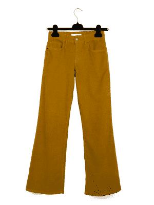 Velvet Mustard | DIEGO ZORODDU
